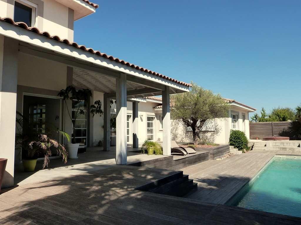 Maison contemporaine en vente pezenas rf340134348 for Piscine pezenas