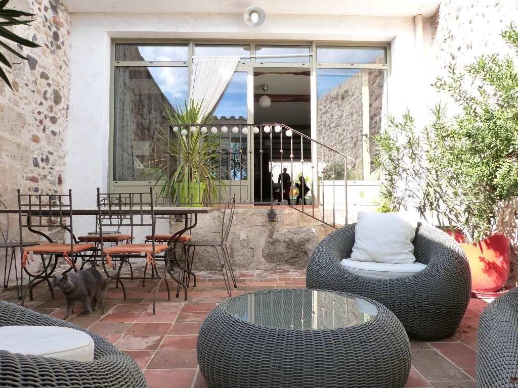 maison de caractre en vente clermont l 39 herault rf340135114 agence casanova. Black Bedroom Furniture Sets. Home Design Ideas