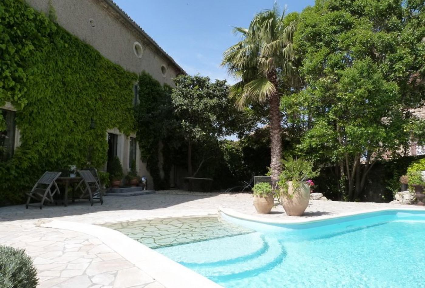 Maison en vente pezenas rf340135306 agence casanova for Piscine pezenas