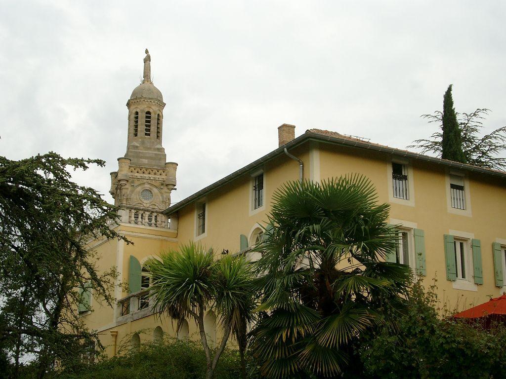 Maison bourgeoise 10 piece s 400 m habitable en vente for Achat maison nimes