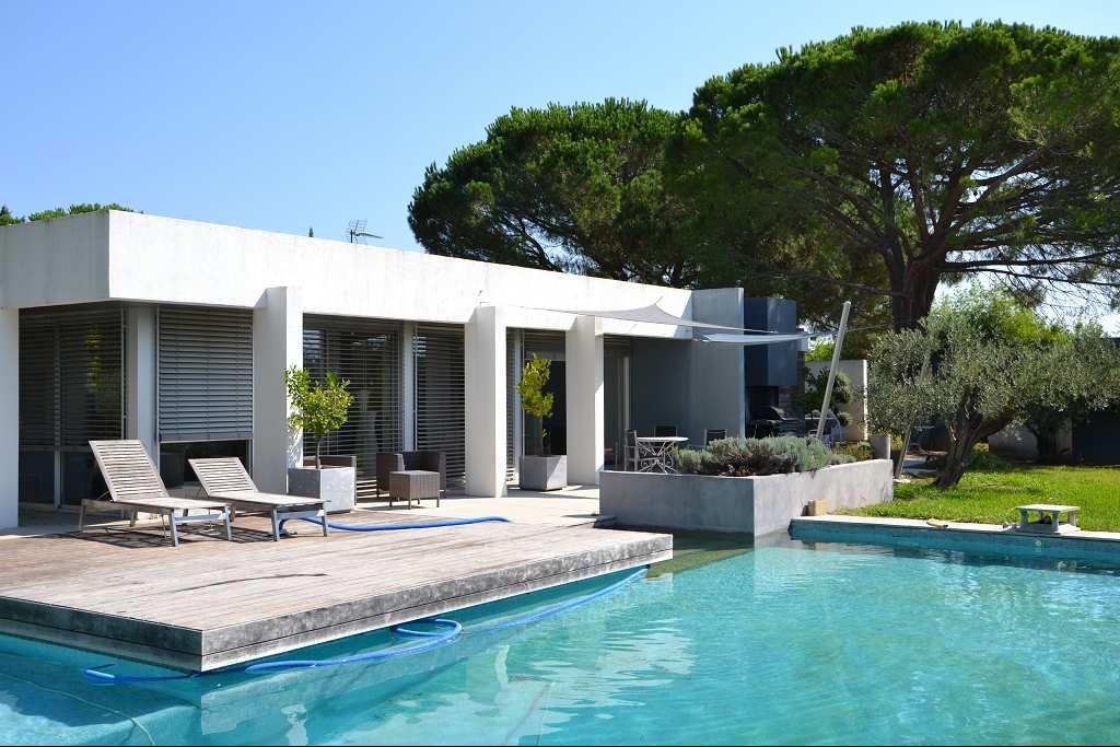 Maison contemporaine nimes blitz blog for Constructeur maison moderne gard