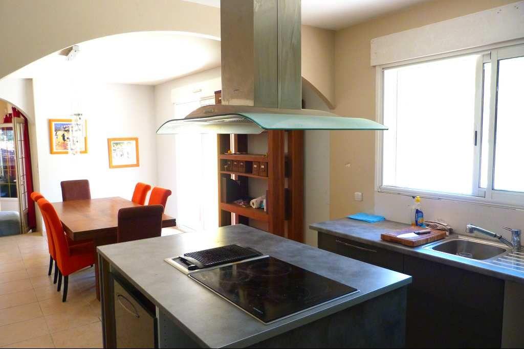 maison en vente montpellier rf340133701 agence casanova. Black Bedroom Furniture Sets. Home Design Ideas