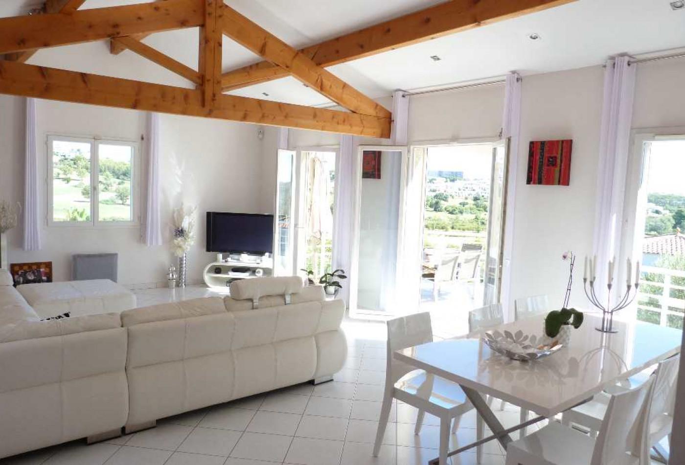A vendre Juvignac 340146548 Agence galerie casanova