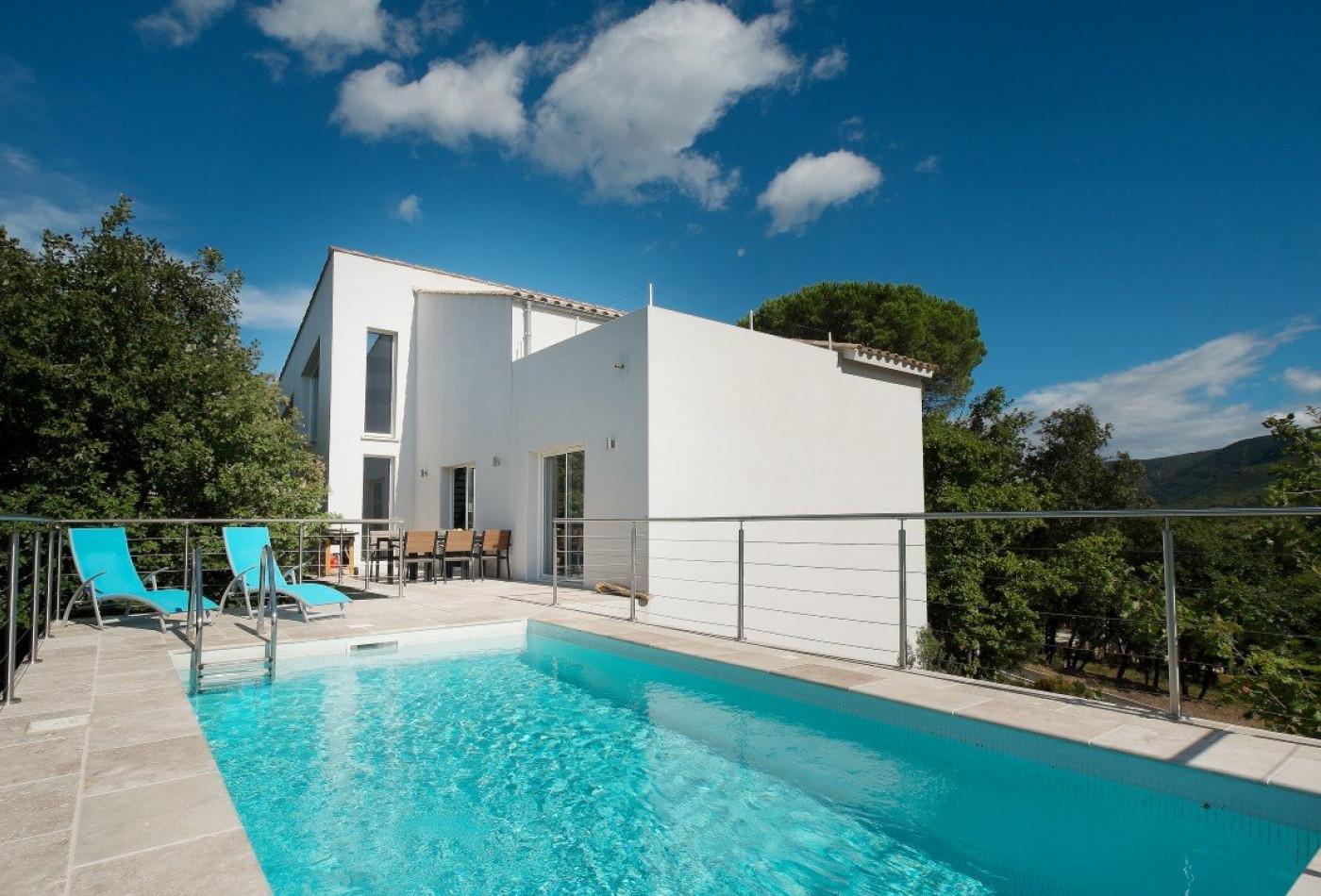 5 rooms 150m² maison contemporaine for sale in lamalou les bains 463 500 €