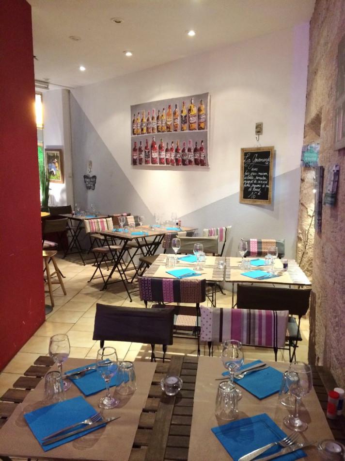 For sale  Pezenas | Réf 340572656 - Albert honig