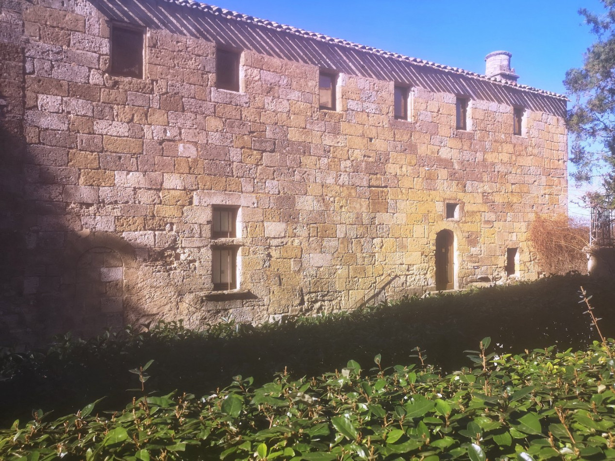 For sale  Pezenas | Réf 340572704 - Albert honig