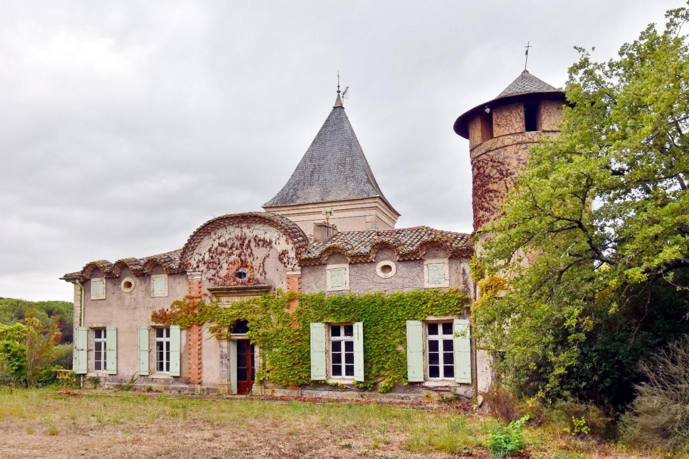 For sale  Pezenas | Réf 340572769 - Albert honig