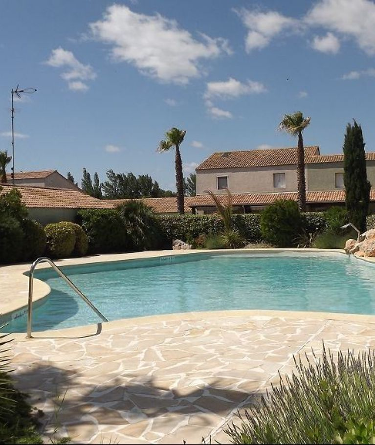 For seasonal lettings Valras Plage  340651078 Agence dix immobilier