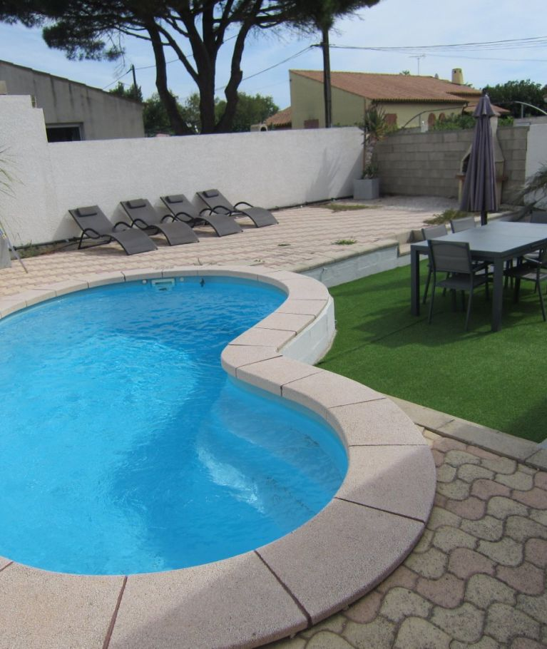 For seasonal lettings Valras Plage  340652127 Agence dix immobilier