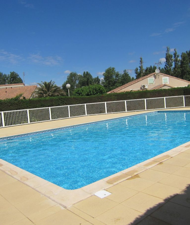 For seasonal lettings Valras Plage  340652143 Agence dix immobilier
