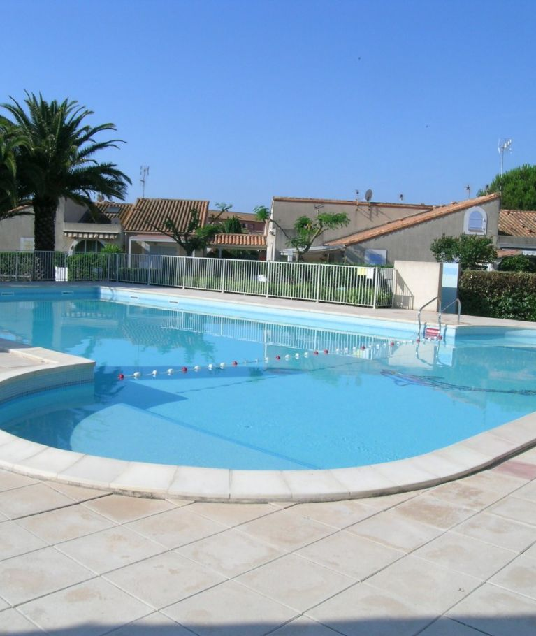 For seasonal lettings Valras Plage  340652249 Agence dix immobilier