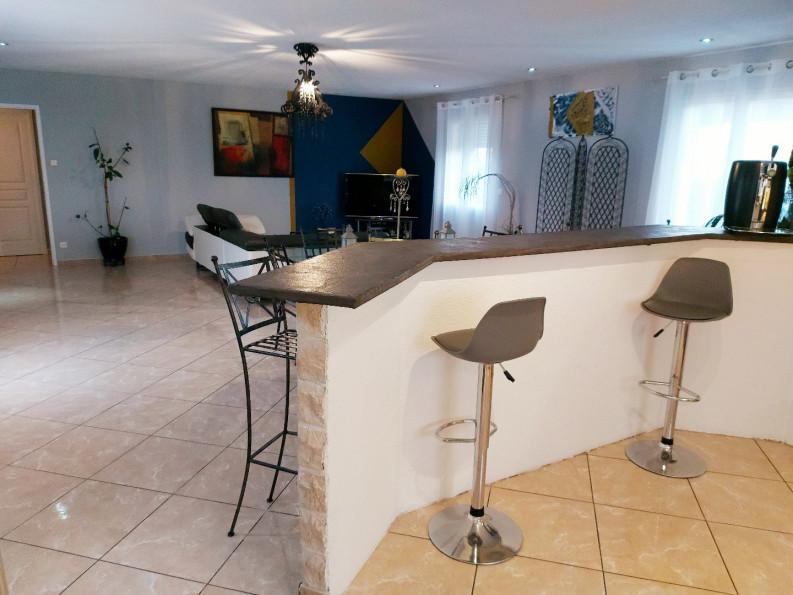 A vendre  Pezenas   Réf 3408940214 - Adaptimmobilier.com
