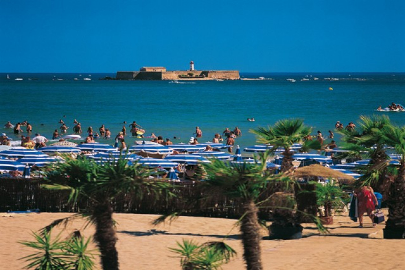 En location saisonnière Le Cap D'agde 341174395 Azura agency