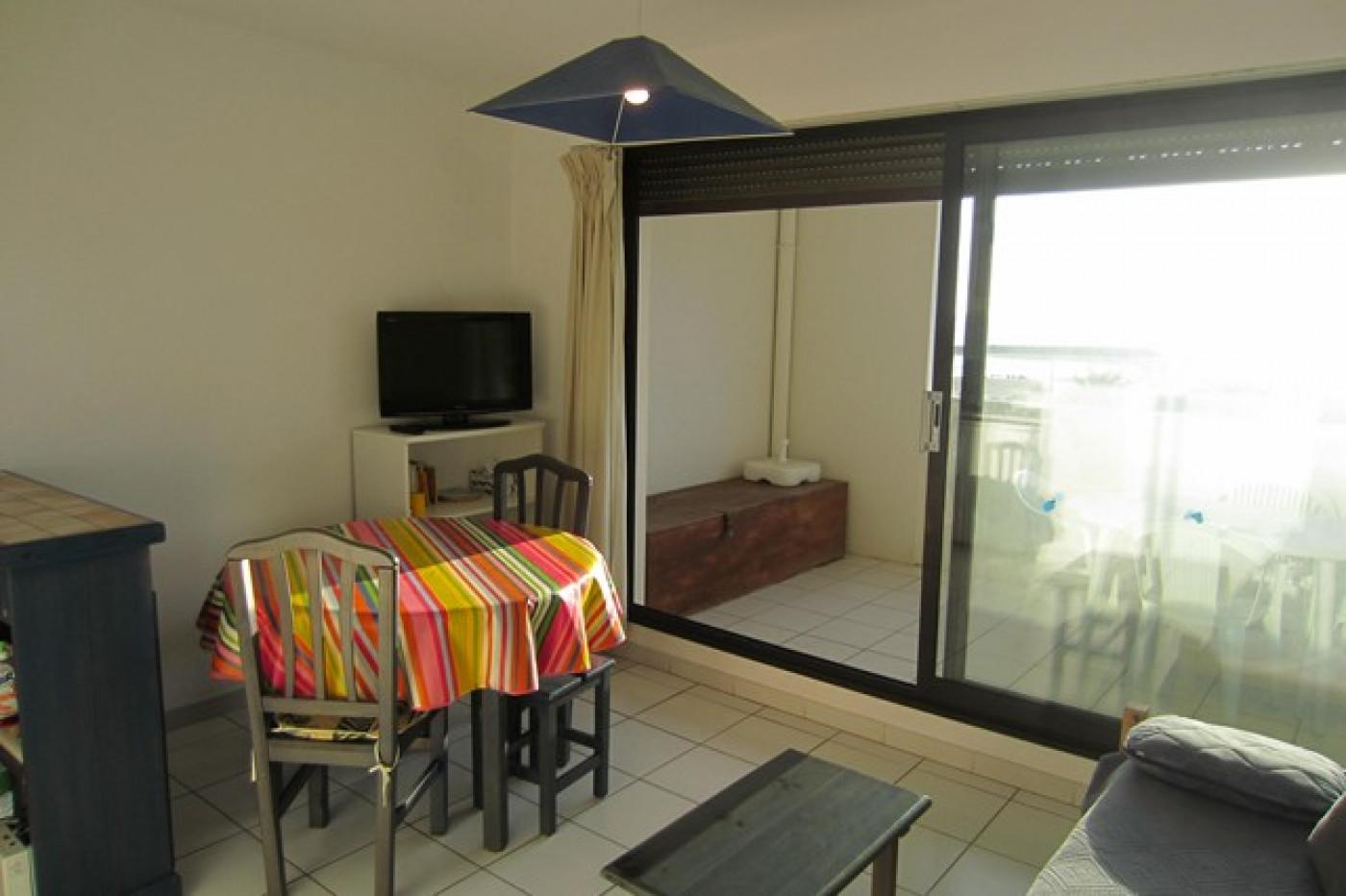En location saisonnière Le Cap D'agde 341174485 Azura agency