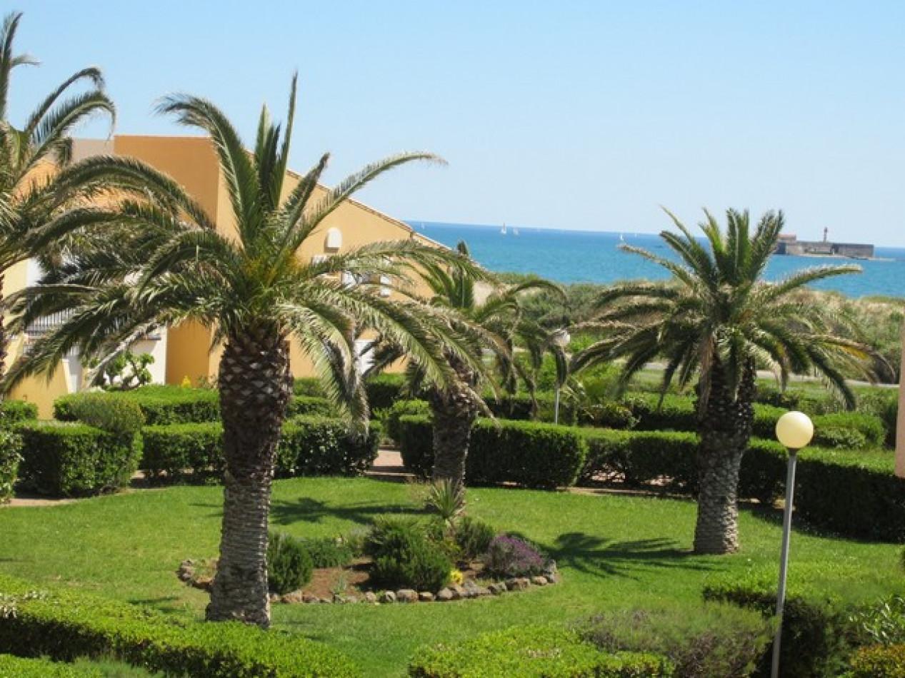 En location saisonnière Le Cap D'agde 341174404 Azura agency