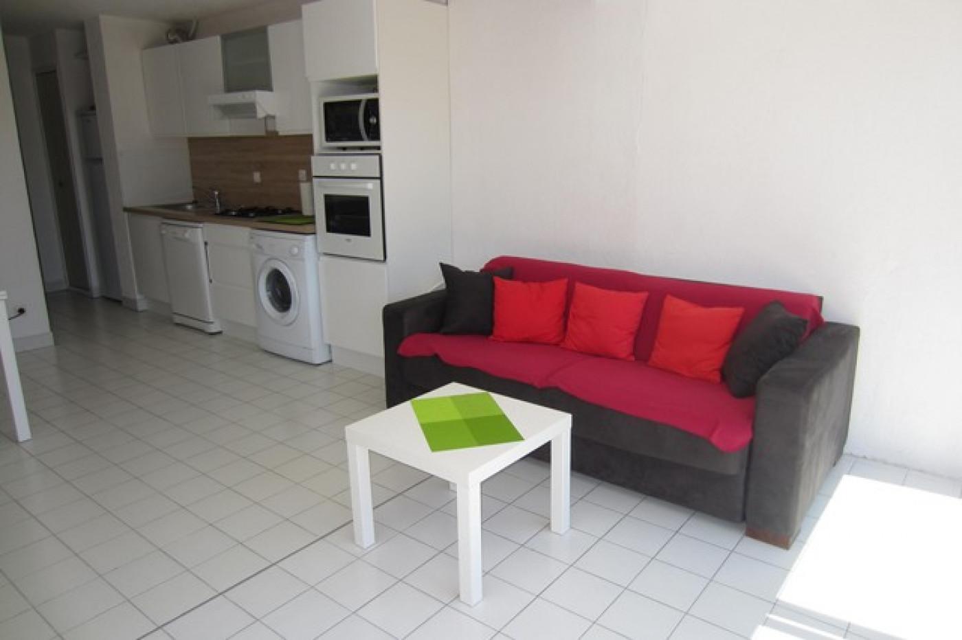 En location saisonnière Le Cap D'agde 341174448 Azura agency
