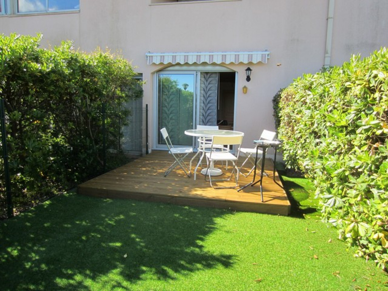 En location saisonnière Le Cap D'agde 341174383 Azura agency
