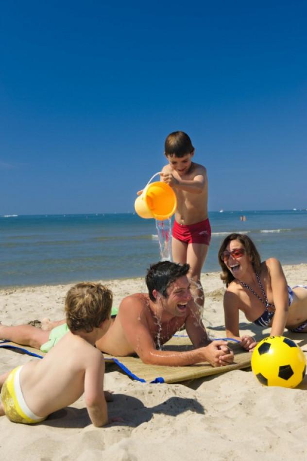 En location saisonnière Le Cap D'agde 341174442 Azura agency