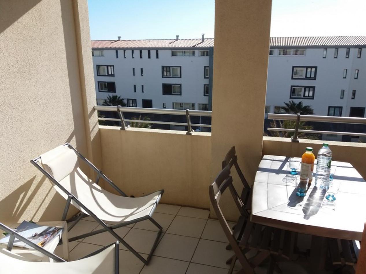 En location saisonnière Le Cap D'agde 341174480 Azura agency