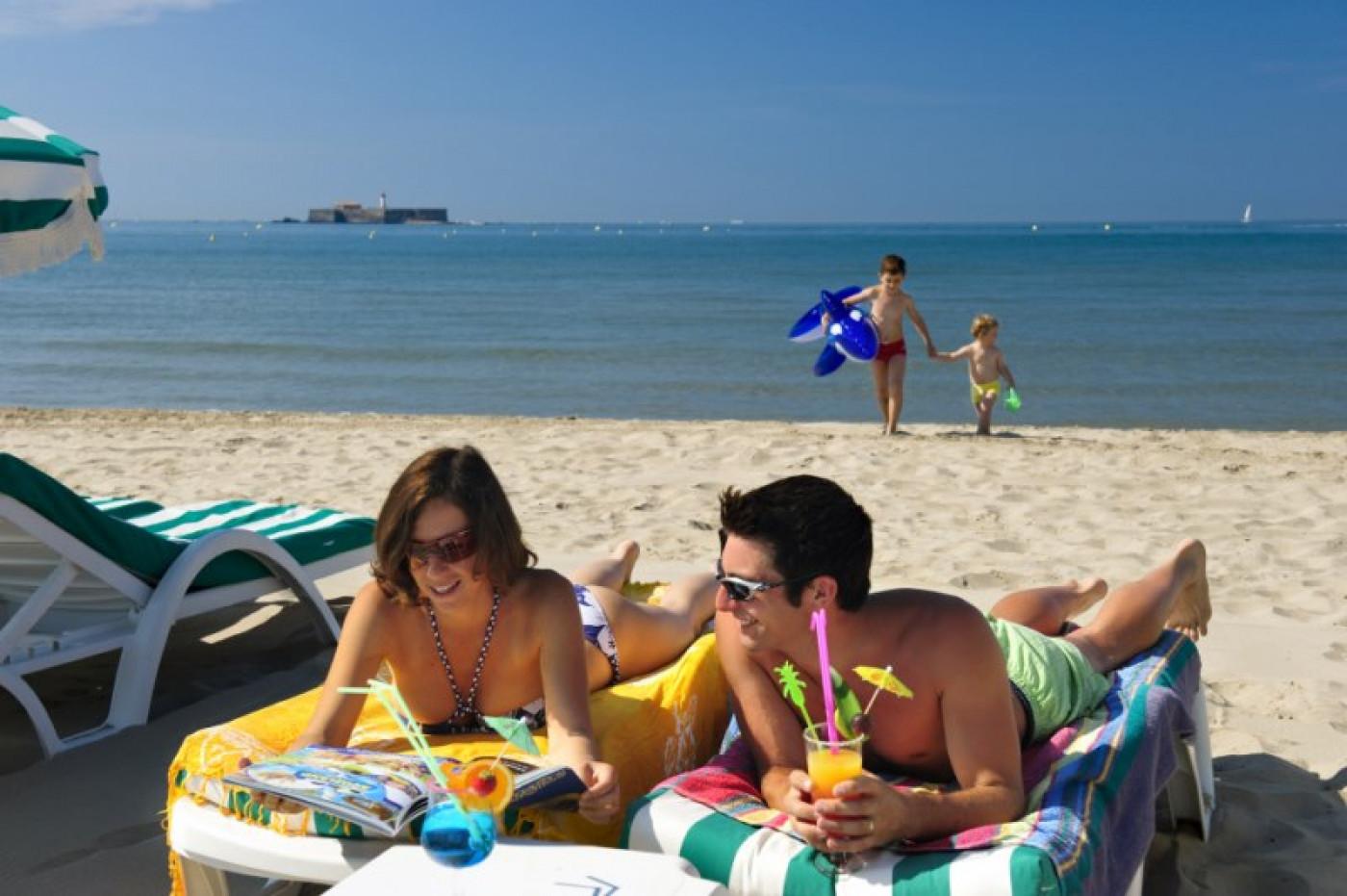 En location saisonnière Le Cap D'agde 341174517 Azura agency