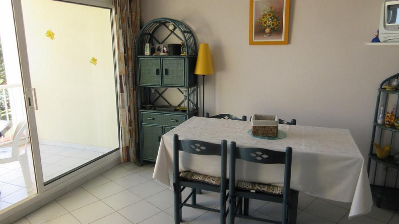En location saisonnière Le Cap D'agde 341174668 Azura agency