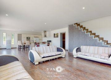 For sale Villa d'architecte Villeneuve Les Beziers   R�f 3412837042 - S'antoni real estate