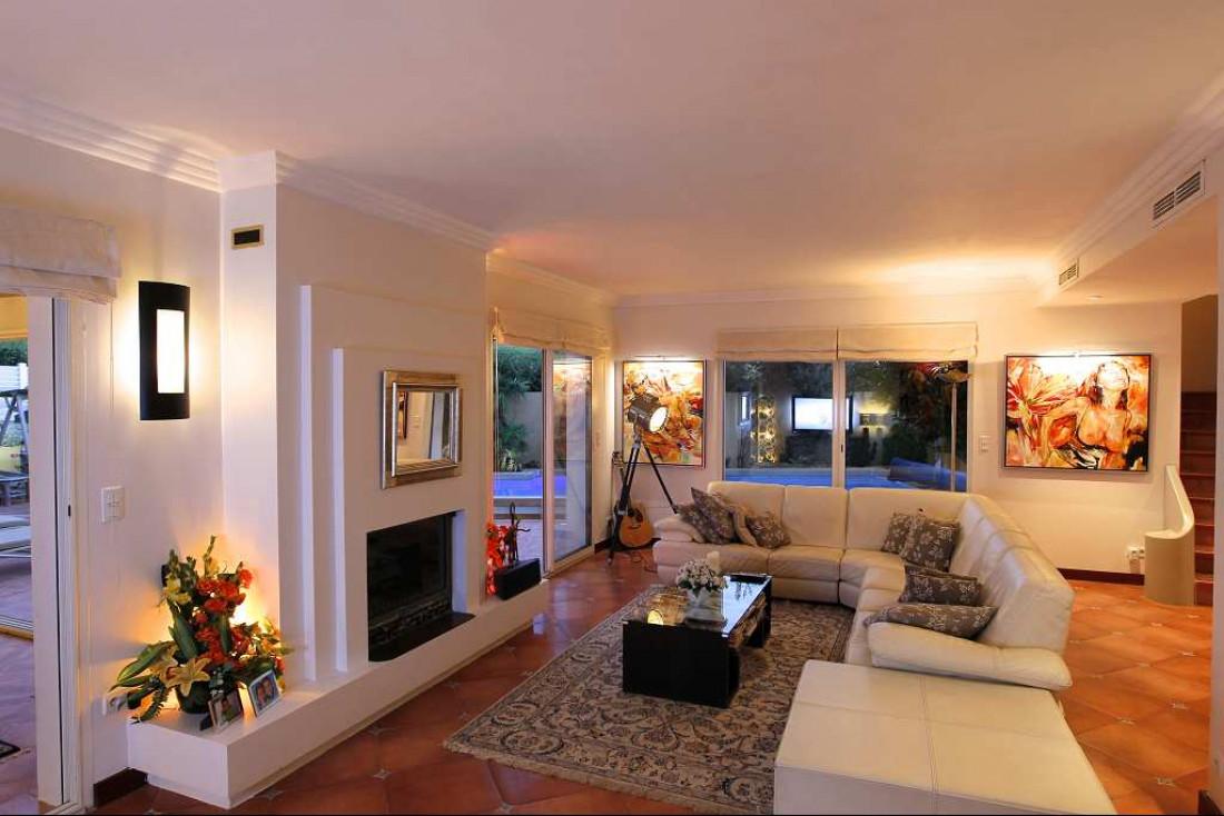 achat villa d architecte 259m2 agde 34300 herault languedoc roussillon hrault 34300 n 3414825475. Black Bedroom Furniture Sets. Home Design Ideas