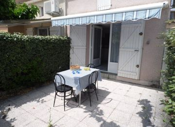 for seasonal lettings Maison jumel�e Marseillan Plage | R�f 3414834328 - S'antoni real estate