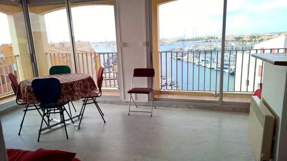 vente appartement le cap d 39 agde 1 avec terrasse 1 chambre s 2 pieces n 3415027276 santoni. Black Bedroom Furniture Sets. Home Design Ideas