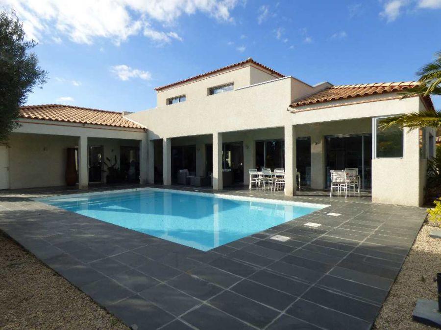 Vente maison meze 1 avec terrasse 4 chambre s 8 pieces for Prix piscine 9x5