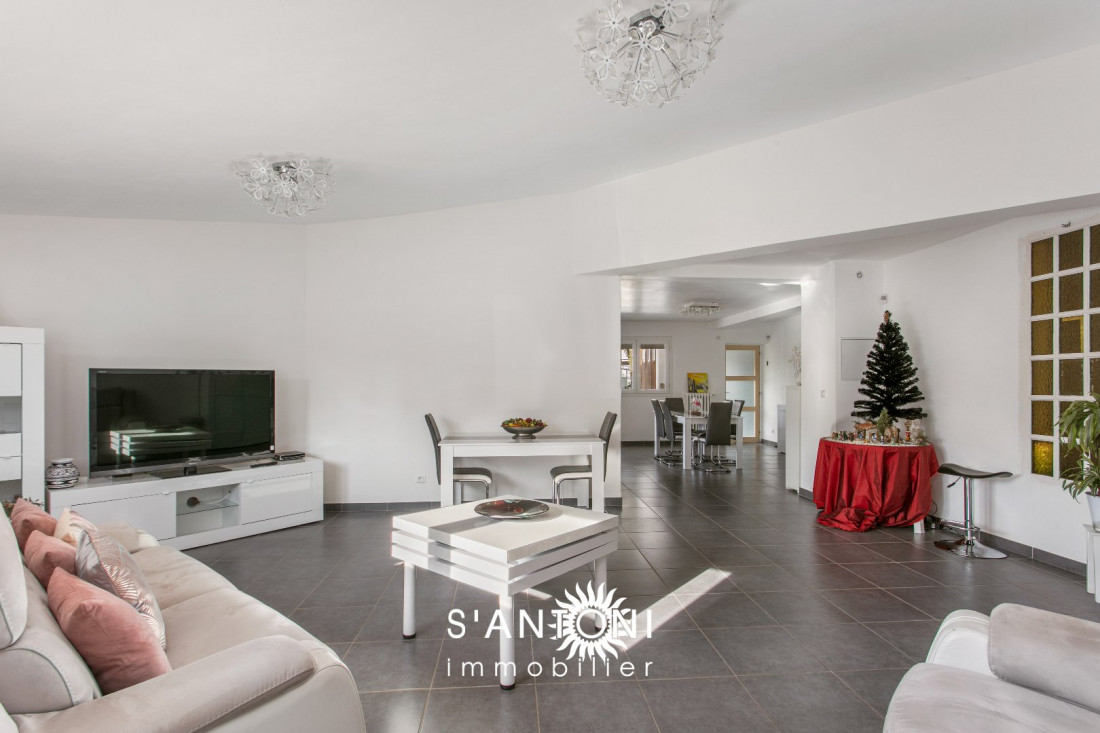 A vendre  Sete   Réf 3415438168 - S'antoni immobilier prestige