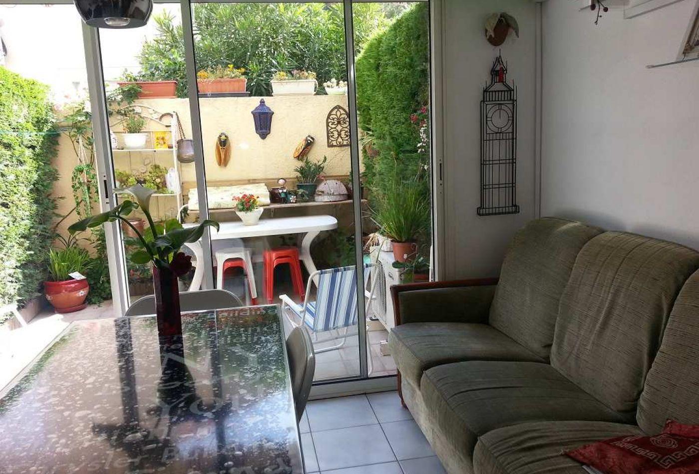 maison en vente le grau d 39 agde r f 3415524911 s 39 antoni immobilier. Black Bedroom Furniture Sets. Home Design Ideas