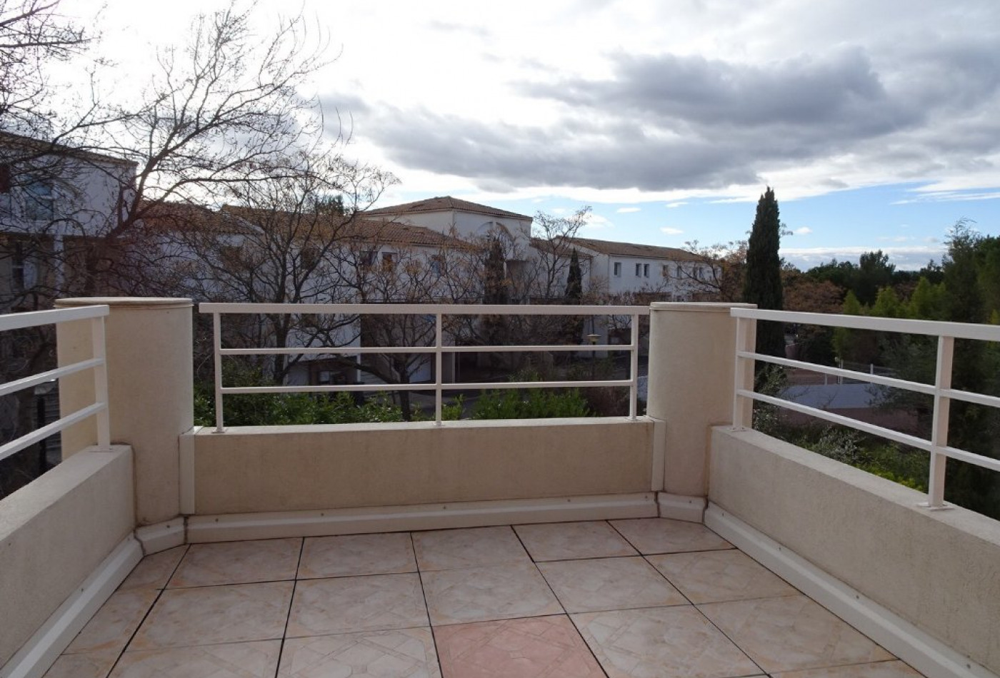 Appartement en location montpellier rf 341682190 for Axa immobilier location appartement