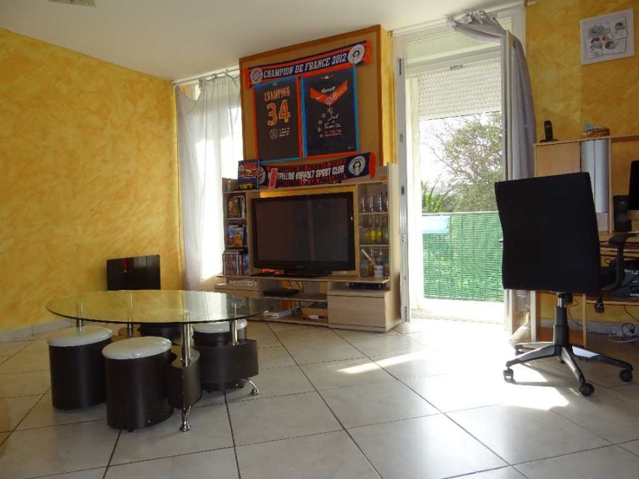 appartement en vente sete agence amarine. Black Bedroom Furniture Sets. Home Design Ideas