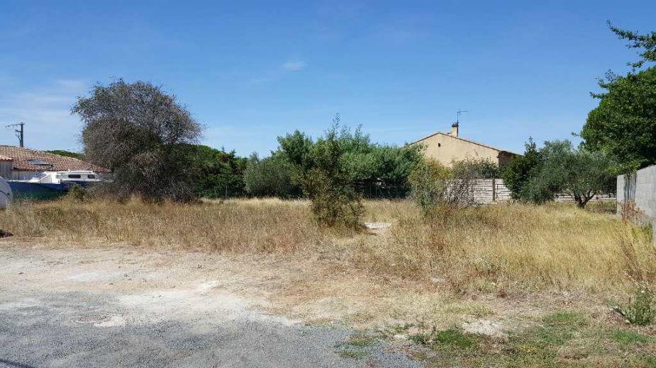 Vente terrain non constructible marseillan n 3419926626 for Construction piscine zone non constructible