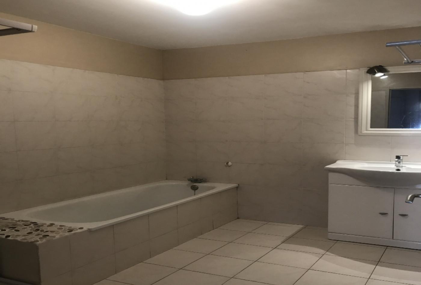 A louer Serignan 342042202 Cabinet barthes