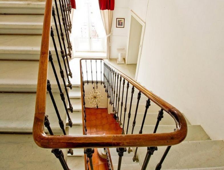 For sale  Saint Maximin   Réf 342435724 - Artaxa