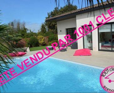 For sale  Castries   Réf 3429824513 - 1001 clés