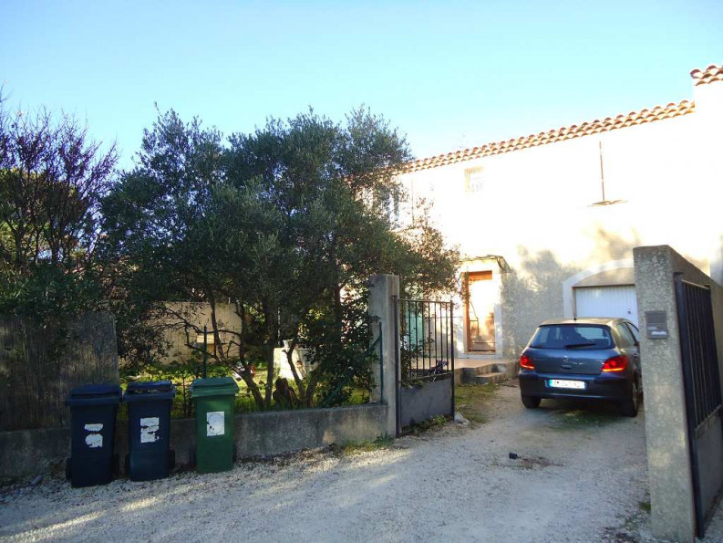 A louer Nimes 3432515118 Thélène immobilier