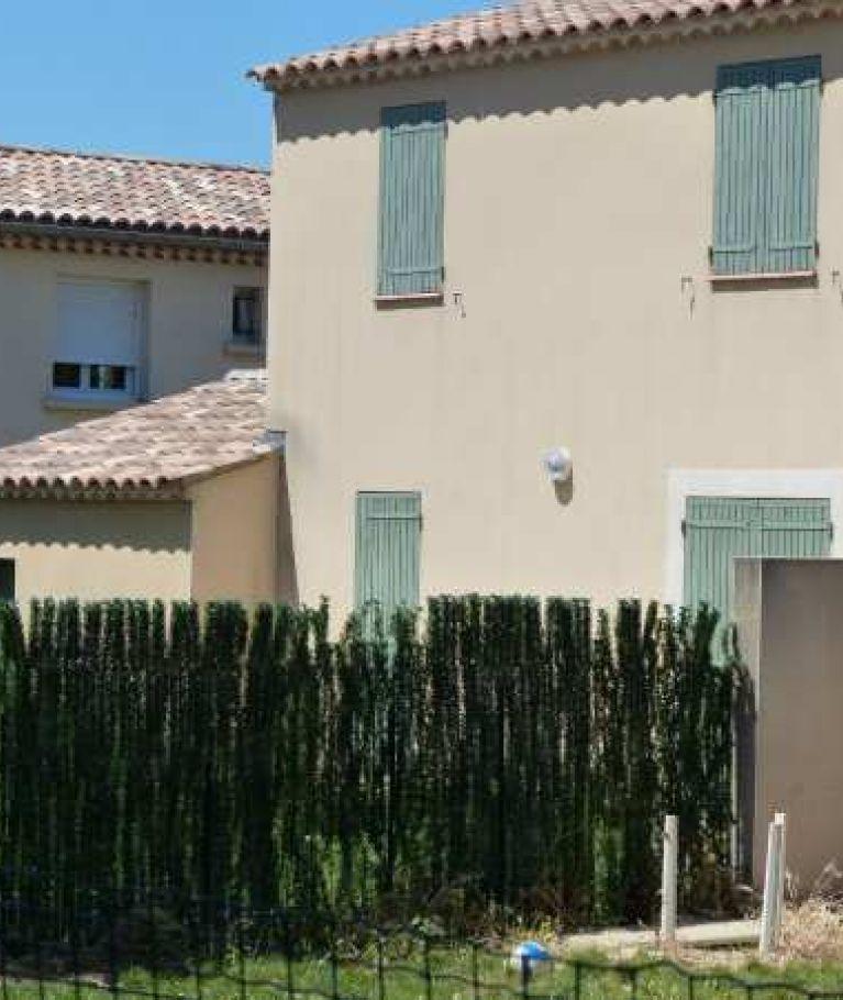 A louer Saint Victor La Coste  3432516710 Thélène immobilier
