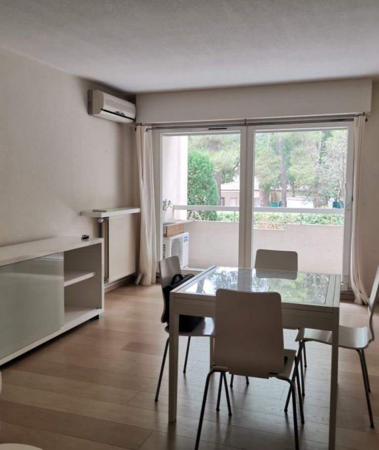 A louer Montpellier  3432541853 Thélène immobilier