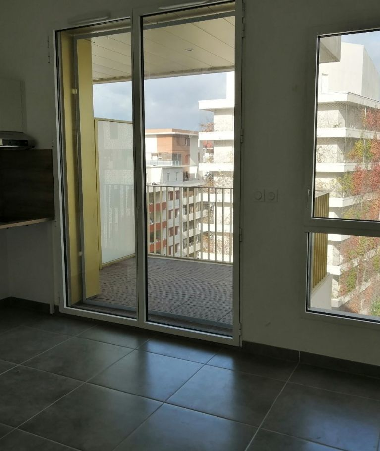 A louer Montpellier  3432542122 Thélène immobilier