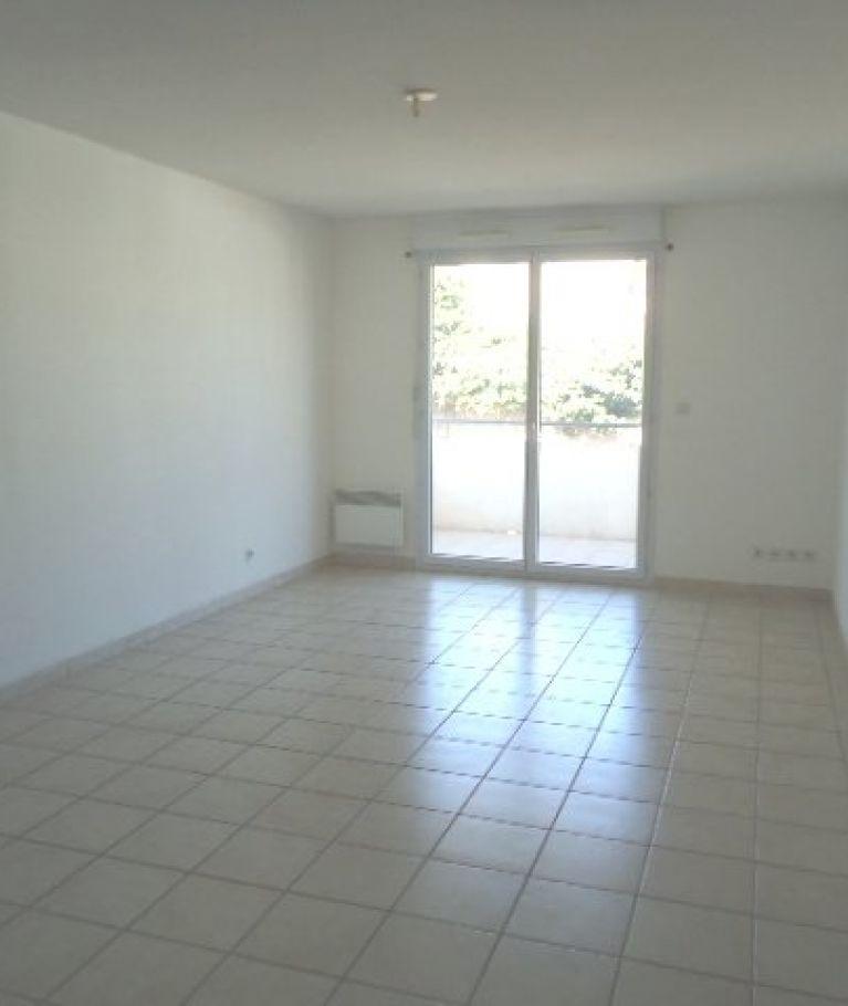 A louer Beziers  3432555929 Thélène immobilier