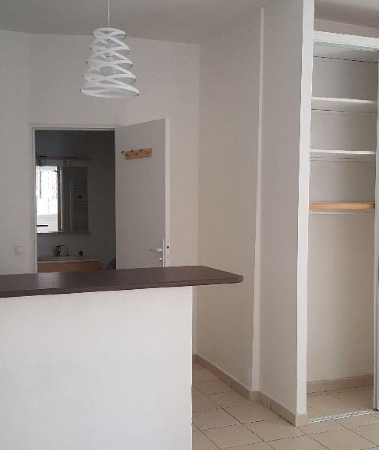 A louer Montpellier  3432556091 Thélène immobilier