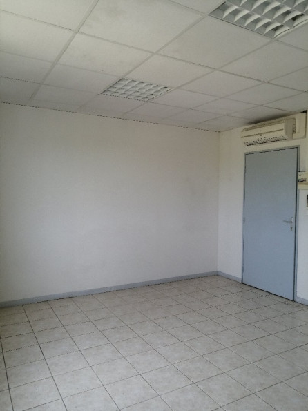 A louer Lunel 3432556761 Thélène immobilier