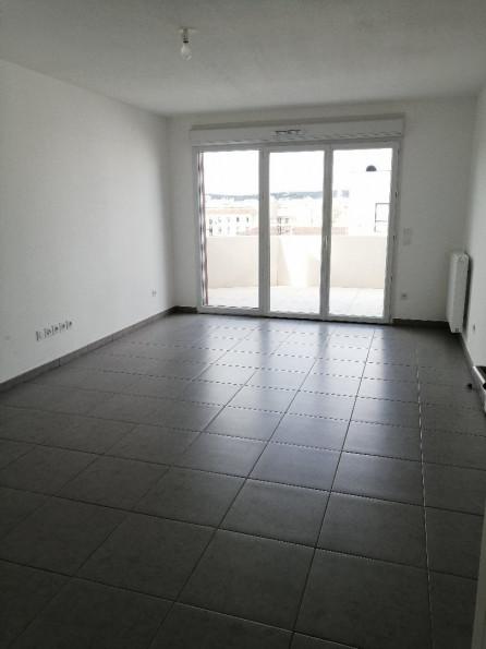 A louer Nimes 3432558590 Thélène immobilier