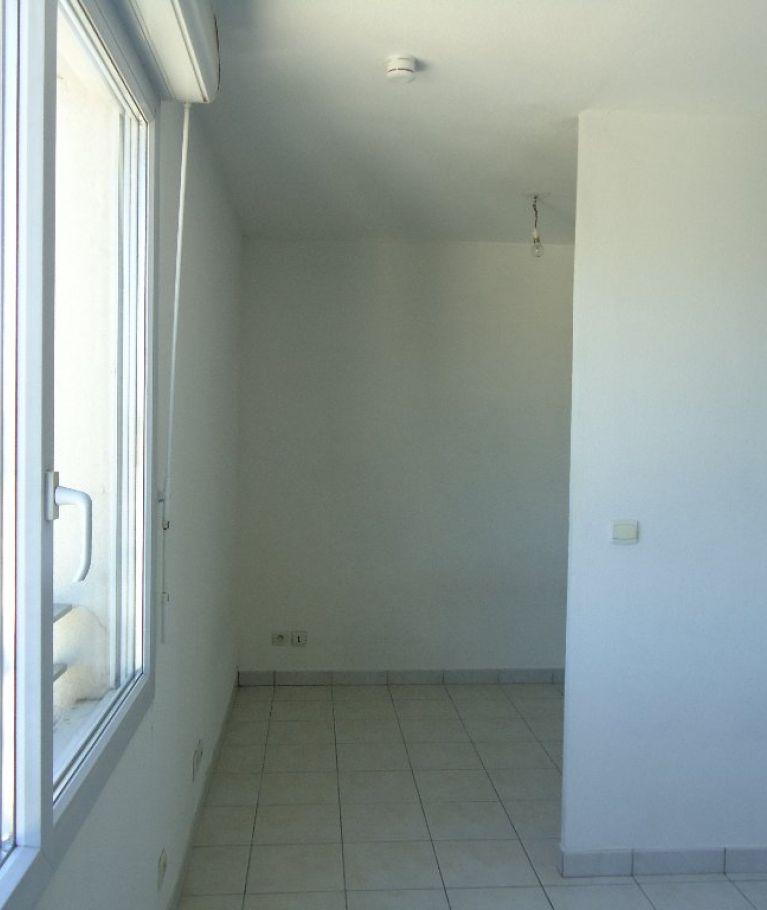 A louer Montpellier  3432616881 Thélène immobilier