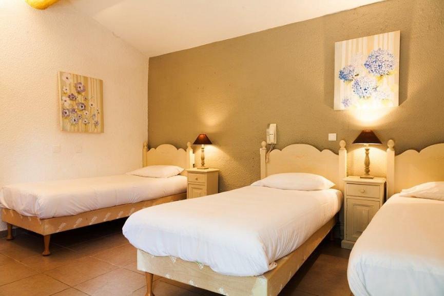 For sale  Nimes | Réf 343303057 - Hôtels à vendre