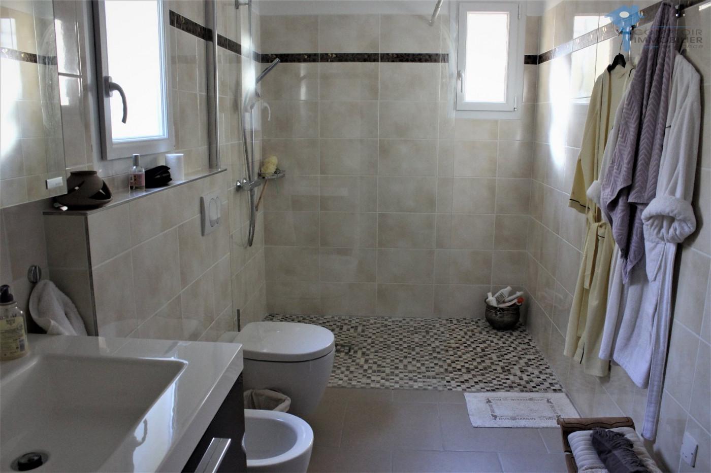 A vendre Lourmarin 3438025060 Comptoir immobilier de france