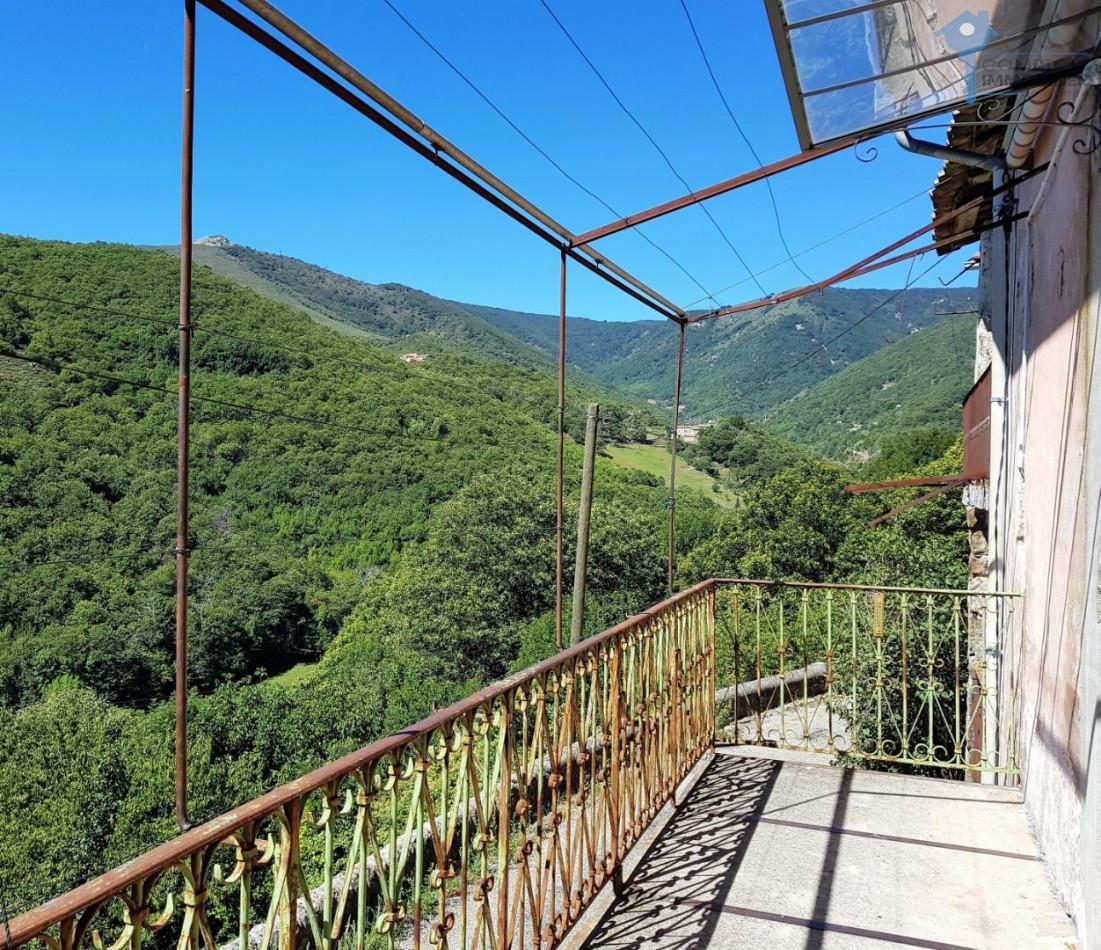 A vendre Burzet 3438028142 Comptoir immobilier de france